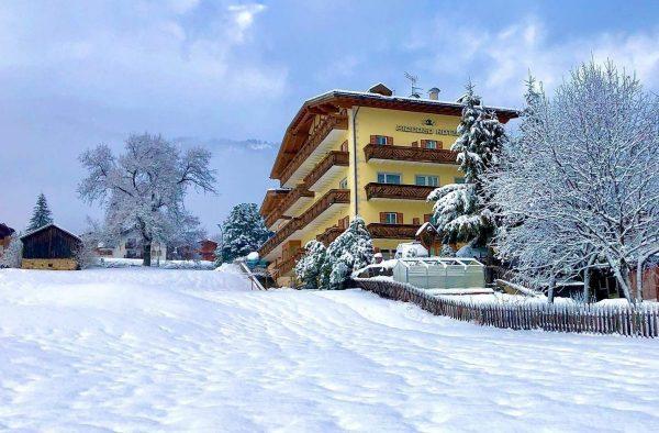 al-piccolo-hotel-fassa-dolomiti